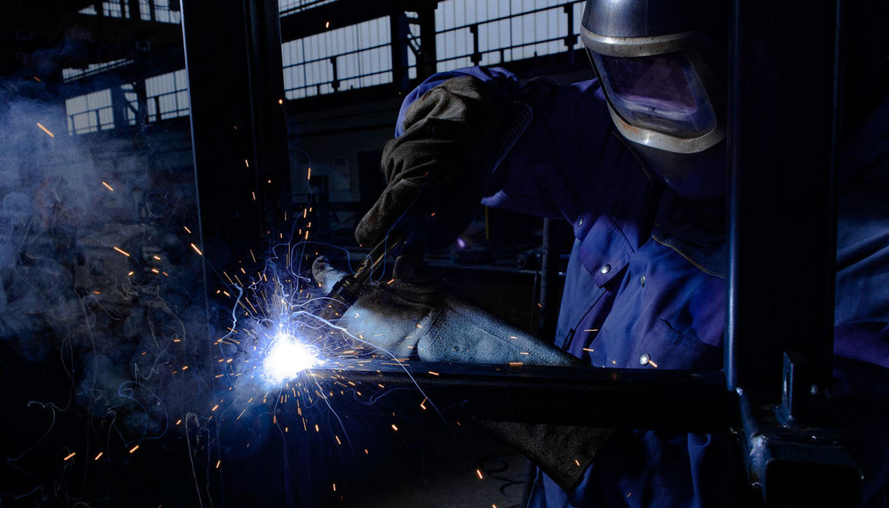trabajador del metal tarjeta TPM